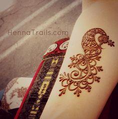 Henna art peacock, I want this on my foot! Cool Henna Designs, Peacock Mehndi Designs, Beautiful Henna Designs, Mehndi Patterns, Henna Tattoo Designs, Henna Peacock, Mehandi Designs, Tattoo Ideas, Mehandi Henna
