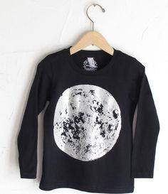 moon t-shirt (lucky fish)