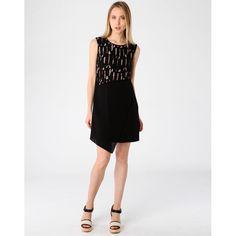 Jouez la carte de l'élégance, la vente Special Robes du soir est disponible sur BazarChic, des articles jusqu'à -90% de réduction vous y attendent ! #look #chic and #elegant #dress #nights #black #glamorous #fashion