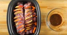 Faites des incisions dans votre filet de porc et mettez-y des tranches de pommes afin de créer un délicieux filet de porc farci aux pommes Crock Pot Slow Cooker, Slow Cooker Recipes, Crockpot Recipes, Cooking Recipes, 12 Tomatoes Recipes, Crock Pot Food, Crock Pots, Pork Loin, Pork Tenderloins