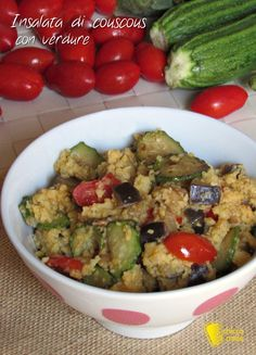 INSALATA DI COUSCOUS CON VERDURE - COUSCOUS SALAD WITH VEGETABLES #insalata #verdure #curcuma #cuscus #couscous #turmeric #vegan #healthy #food #foodie #light #dieta #leggero #estivo #ricetta #diet #recipe #ilchiccodimais http://blog.giallozafferano.it/ilchiccodimais/insalata-di-couscous-con-verdure/