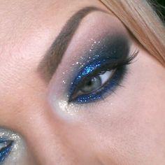 Blue Glitter Smokey eyes