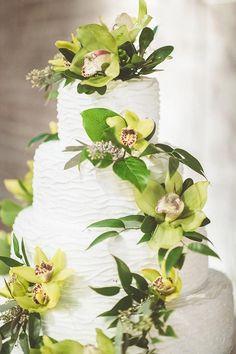 #wedding #weddings #bride #groom #dress #cake #bouquet   www.hotchocolates.co.uk www.blog.hotchocolates.co.uk www.evententertainmenthire.co.uk
