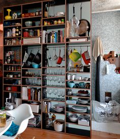 storage | open shelves, keeping organization/accumulation in check