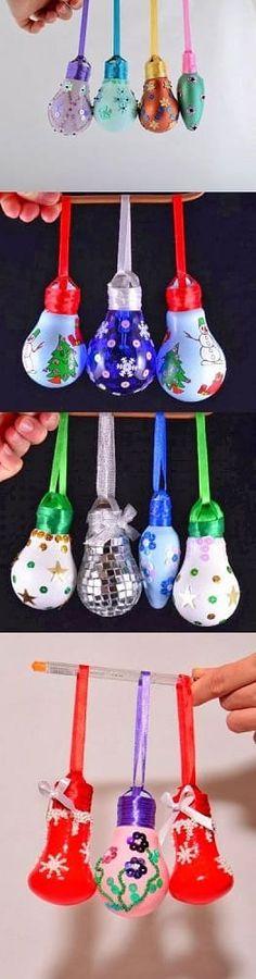 enfeite de natal reciclado lampadas pintadas Christmas Stocking Decorations, Easy Christmas Ornaments, Christmas Light Bulbs, Cheap Christmas, Christmas Balls, Simple Christmas, Christmas Holidays, Christmas Projects, Christmas Crafts