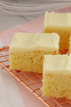 Easy Lemon Slice The easiest and most delicious baked Lemon Slice ever…. with the BEST creamy & tangy lemon frosting – this is such a quick, simple and classic recipe. Lemon Recipes, Baking Recipes, Sweet Recipes, Cake Recipes, Tea Recipes, Muffin Recipes, Recipies, Köstliche Desserts, Delicious Desserts