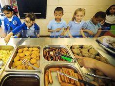Durante le lunghe vacanze pasquali inglesi, i bambini poveri non potendo usufruire dei pasti gratis della scuola, dimagriscono. L'allarme delle associazioni di volontariato. E il governo stanzia 10 milioni di sterline per il pre scuola con colazione