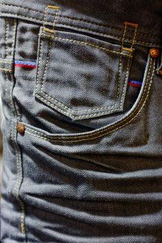Double stitch and single stitch Raw Denim, Denim Jeans Men, Denim And Co, Denim Ideas, Denim Branding, Vintage Denim, Denim Fashion, Menswear, Man Summer
