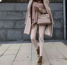 Love this color & outfit!