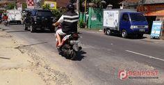 Warga Keluhkan Jalan Nangka Utara Rusak - http://denpost.imediamu.com/2015/04/11/warga-keluhkan-jalan-nangka-utara-rusak/