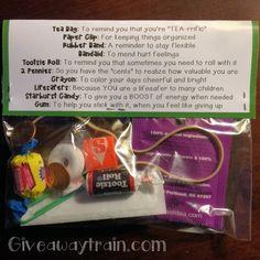 Teacher Survival Kit: How to Make & Printable Label Survival Kit Gifts, Survival Kit For Teachers, Survival Supplies, New Teachers, Survival Gear, Small Notebook, Printable Labels, Free Printable, Employee Appreciation
