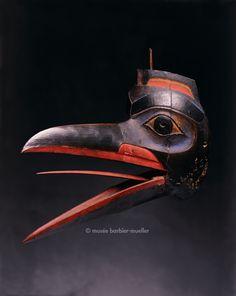 Masque facial, Alaska ou Colombie Britannique, USA ou Canada? / Fleurons. / Musée Barbier-Mueller, Genève.