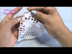 COMO TEJER UN MANTEL DE NOCHEBUENAS A CROCHET ... http://www.youtube.com/user/laboresangelika/videos