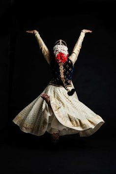 Kathak is one of the several traditional dance forms of India hailing from the… Folk Dance, Dance Art, Dance Music, Asian Bride, South Indian Bride, Kathak Costume, Kathak Dance, Indian Classical Dance, Dance Paintings