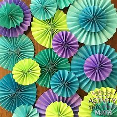Easy tutorial on making DIY paper rosettes