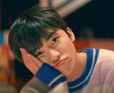 Just wait, the card will flip over by itself # Fiksi Penggemar # amreading # books # wattpad Nct 127, Grupo Nct, Saranghae, Nct Dream Jaemin, Na Jaemin, Fandoms, Entertainment, Boyfriend Material, Jaehyun