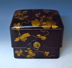 Antique Japanese Lacquer box
