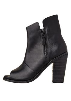 a8500fe01bd2be 34 Best THE BLACK ANKLE BOOT images
