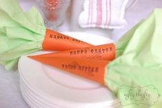Carrot Napkin Holders would be easy and cute for #Easter Brunch.