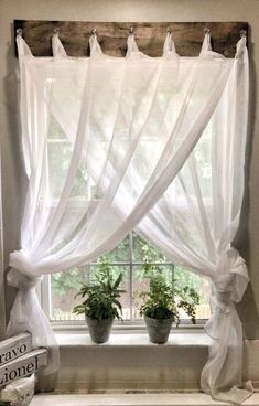 If you are looking for Farmhouse Kitchen Curtains Decor Ideas, You come to the right place. Here are the Farmhouse Kitchen Curtains Decor Ideas. Farmhouse Windows, Farmhouse Homes, Farmhouse Decor, Farmhouse Style, Farmhouse Ideas, Country Decor, Farmhouse Curtains, Cottage Farmhouse, Farmhouse Furniture