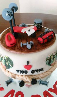 Cake gym Cake, Desserts, Anna, Gym, Food, Themed Cakes, Tailgate Desserts, Deserts, Kuchen