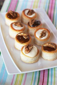Cinco Quartos de Laranja: Vol-au-vent com queijo Creme de Brie e doce de figo
