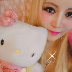 キャンピングカーの中でキティちゃんと一緒に動画 () 金髪とショッキングピンクでバービーファッションです     #キティちゃん #ハローキティ #キティ #kitty #hellokitty #hellokittylover #barbie #barbiedoll #barbiecode  #バービーコーデ #バービー #pink #pinky  #動画 #movie #メイク #make #selfie #selca #せるふぃー #自撮り女子 #pinkcode #ピンクコーデ #lips #ヘアスタイル #ストレートヘア  #smile #hip #ロングヘアー #ストレートヘア #笑 #eyes #eye #smile#hairstyle  #ロングヘア  #コーデ #じどり #セルフィー #セルカ#自撮#自撮り #自撮り女子 #lips #ヘアスタイル #自撮り #ブロンドヘア #金髪 #blondehair #blonde #ストレート #ロングヘアー #ストレートヘアー  #eyes #eye #smile#hairstyle  #ロングヘア  #コーデ…