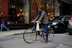 Street Style London // Morning commute // Urban cycle chic