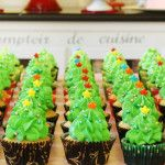How to pipe Christmas Tree Forest Cupcakes