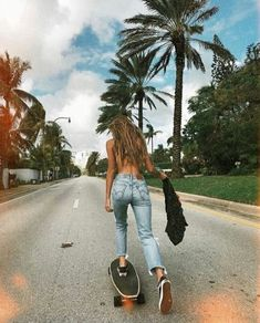 An electric skateboard is a personal transporter based on a skateboard.Electric skateboard are not considered as vehicles and do not require any registration or licensing.Here some best skateboard go check them out. Skateboard Tumblr, Skateboard Girl, Skateboard Pictures, Carver Skateboard, Skateboard Clothing, Beach Aesthetic, Summer Aesthetic, Surfergirl Style, Shotting Photo