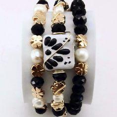 Bead Jewellery, Jewelry Making Beads, Beaded Jewelry, Handmade Jewelry, Love Bracelets, Jewelry Bracelets, Denim Bracelet, Christmas Jewelry, Simple Jewelry