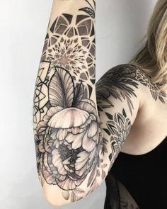 I miss my job – Mandala Tattoos Hand Tattoos, Flower Tattoo Hand, Small Flower Tattoos, Flower Tattoo Designs, Tattoo Designs For Women, Tatoos, Tattoo Dotwork, Arm Tattoo, Pretty Tattoos