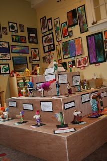 art show display - for maquettes or smalls sculpture