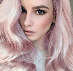 Lauren Calaway and her pastel pink hair