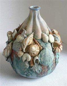 6 Creative Tips and Tricks: Vases Ideas Pottery vases table floral arrangements.Flower Vases Home Decor. Pottery Sculpture, Pottery Vase, Hand Sculpture, Ceramic Pottery, Ceramic Design, Ceramic Art, Vase Transparent, Pattern Texture, Vase Design