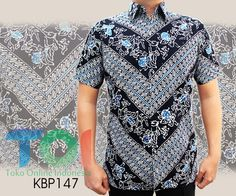 – Kode KBP147 – Kemeja batik cap berbahan katun – Furing katun – Jahitan rapih – Tersedia berbagai ukuran – Harga Rp.275.000 – Harga belum termasuk ongkir – Made by order, dengan estimasi waktu 5-7 hari