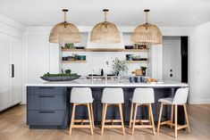 Boho coastal kitchen designs: 20 of the best boho kitchen ideas Boho Kitchen, New Kitchen, Kitchen Reno, Kitchen Ideas, Kitchen Pantry, Kitchen Dining, Kitchen Island, Home Design, Küchen Design