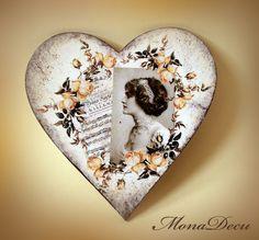 MonaDecu Vintage Valentine Cards, Valentine Day Crafts, Vintage Decor, Rustic Decor, Diy And Crafts, Crafts For Kids, Heart Crafts, Wooden Hearts, Gifts For Women