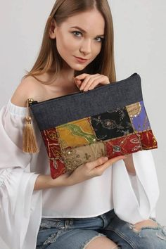 Woman & Woman's media content and analytics Patchwork Bags, Quilted Bag, Sew Wallet, Embroidery Bags, Mode Jeans, Linen Bag, Beautiful Handbags, Denim Bag, Fabric Bags
