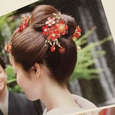 K A O R I.さんはInstagramを利用しています:「♡2016.7.5♡ 好きすぎるね…💓 日本人でよかったと思った瞬間💓💓💓 . #プレ花嫁#プレ花嫁卒業#卒花 #日本髪#色打掛#舞妓#maiko#kimono #目黒雅叙園#新日本髪 #白無垢#和婚#和装#うなじ」 Japanese Hairstyle, Yukata, Japanese Kimono, Hanfu, Updos, Girl Hairstyles, Asian Beauty, Beauty Hacks, Braids