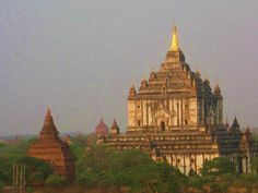 Bagan, Myanmar - century temples and pagodas Temple Thailand, Bagan, World Pictures, World Heritage Sites, Temples, Barcelona Cathedral, Taj Mahal, Tourism, Travel