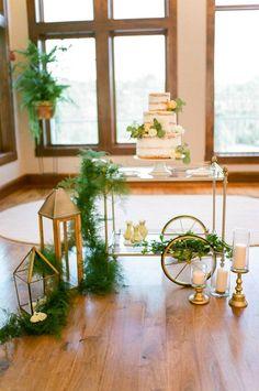 Featured Photographer:Tamara Gruner Photography; wedding cake idea