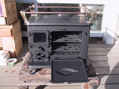 HALIBUT COOKSTOVE INFO & SPECS. Throws quite a bit of heat- too much for tiny house? I love this, especially thinking about totally off grid living, but wonder if this isn't better suited to non portable house, like the 500-999sf cottage. Maybe.