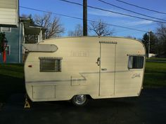 1962 Shasta Airflight canned ham vintage travel trailer