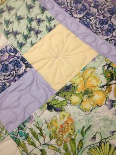 Freemotion quilting by Ann Olson