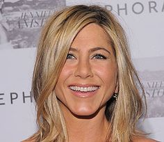 Jennifer Aniston on New Man Justin: 'I'm a Very Happy Girl'