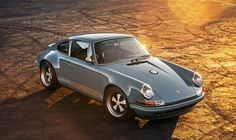 Singer restaure deux Porsche 911 : du travail d'orfèvre - http://www.leshommesmodernes.com/singer-restaure-deux-porsche-911-travail-dorfevre/