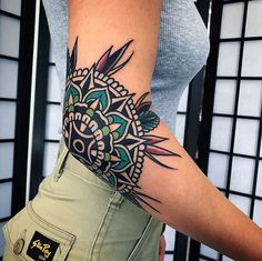 Ideas Of Meaningful And Great Tattoos For Girls Elbow Tattoos, Knee Tattoo, Old Tattoos, Great Tattoos, Beautiful Tattoos, Body Art Tattoos, Girl Tattoos, Small Tattoos, Sleeve Tattoos