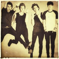 5sos picture edited by me