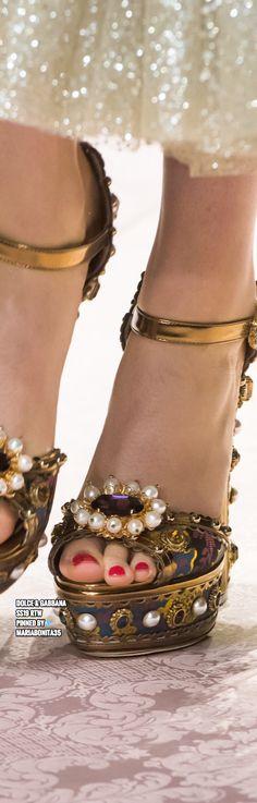 43caa2e712 Las 128 mejores imágenes de Dolce Gabbana accesorios''''..   Bags ...